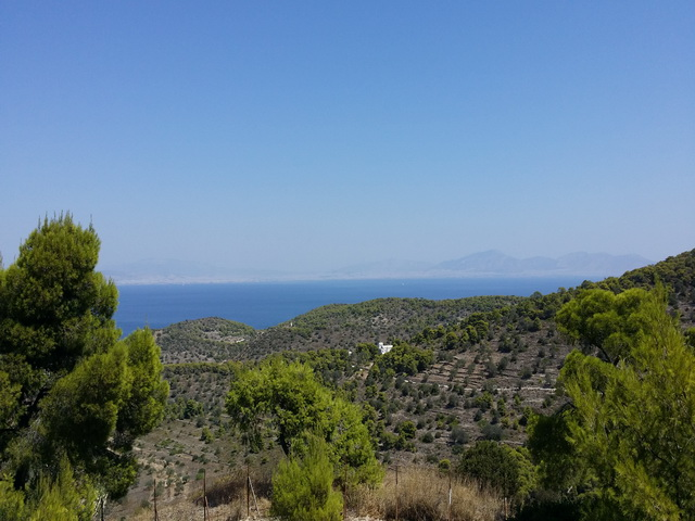 Pogled na Atinu sa Apheinog hrama