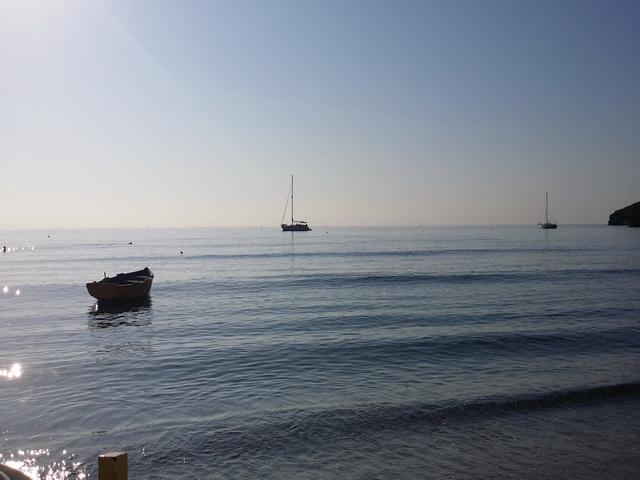 Pogled iz Akrogiali beach bara